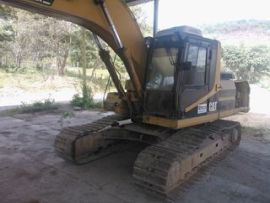 Escavadeira Caterpillar 325L