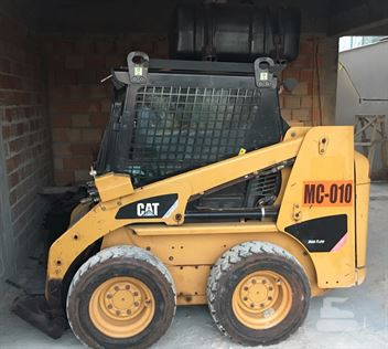 Mini-Carregadeira Caterpillar 226B