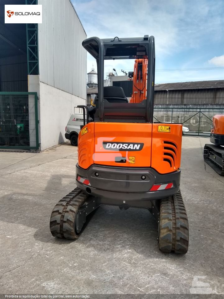Mini-Escavadeira Doosan DX27Z
