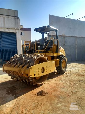 Rolo Compactador Caterpillar CS-423E