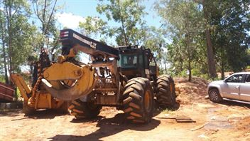 Skidder Caterpillar 545C