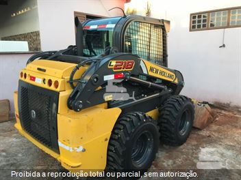 Mini-Carregadeira New Holland L218